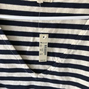 V-Neck Setlist Boxy Top Striped